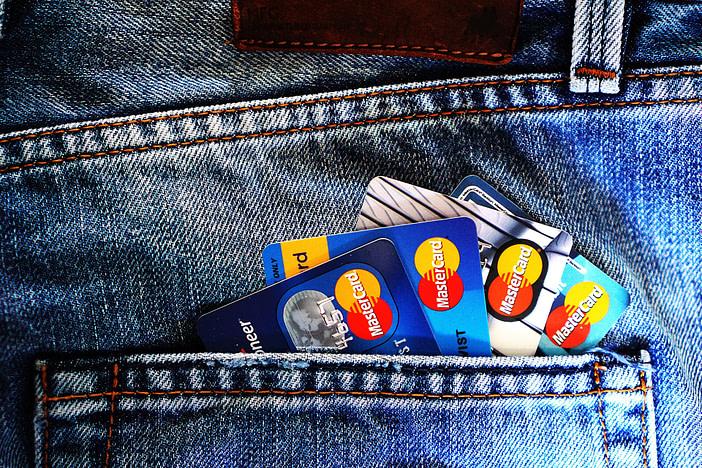how many credit cards should i have reddit